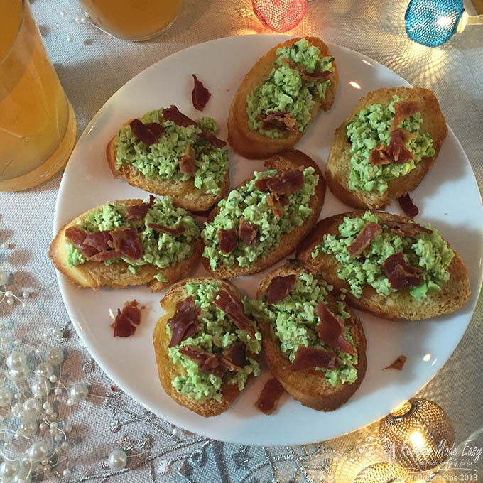 bean and pancetta crostini
